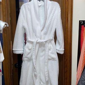 White Ulta Robe